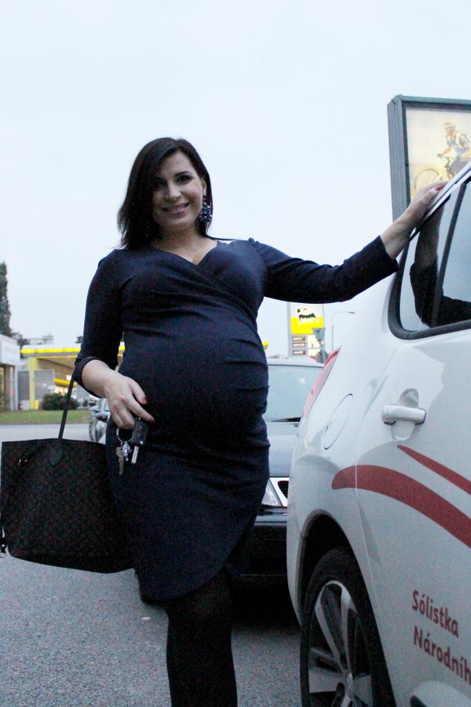 Andrea Tögel Kalivodová v těhotenských šatech Happymum